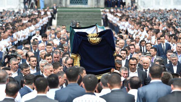 İslam Kerimov son yolculuğuna uğurlandı - Sputnik Türkiye