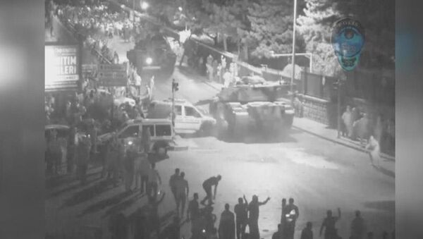15 Temmuz gecesine ait yeni MOBESE görüntüleri ortaya çıktı - Sputnik Türkiye