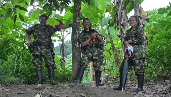 Kolombiya Devrimci Silahlı Güçleri (FARC) kampı - Sputnik Türkiye