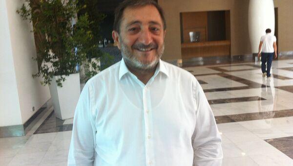 İstanbul Hazır Giyim ve Konfeksiyon İhracatçıları Birliği (İHKİB) Başkanı Hikmet Tanrıverdi - Sputnik Türkiye