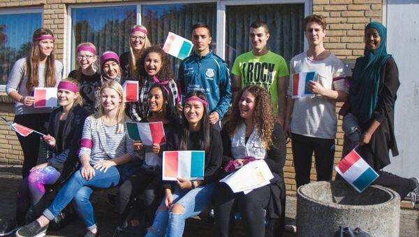 Danimarka'da Langkaer Lisesi'nin öğrencileri - Sputnik Türkiye