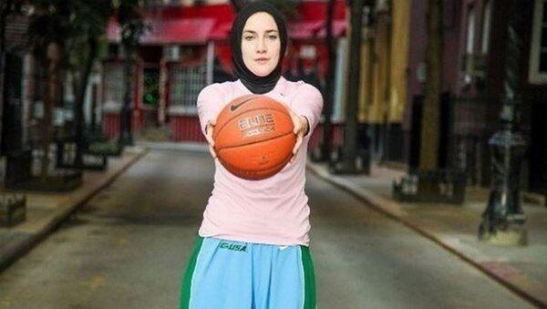 Merve Şapçı, başörtülü basketbolcu - Sputnik Türkiye