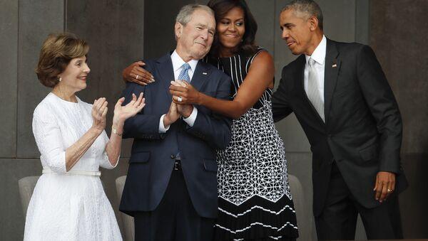 ABD Başkanı Barack Obama- First Lady Michelle Obama- Eski ABD Başkanı George W. Bush- Eski First Lady Laura Bush - Sputnik Türkiye