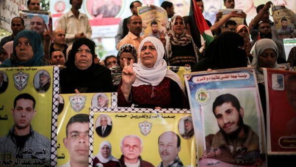 İsrail hapihanelerinde tutuklu bulunan Filistinlilerin aileleri - Sputnik Türkiye