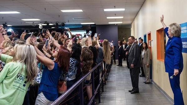 ABD başkanlık yarışının Demokrat adayı Hillary Clinton - Sputnik Türkiye