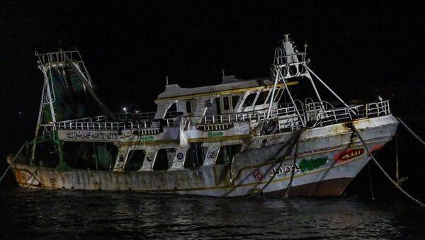 Akdeniz'de batan göçmen teknesi çıkarıldı - Sputnik Türkiye