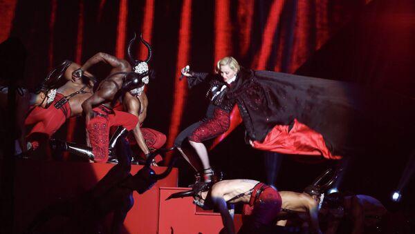 Madonna performs at the BRIT Awards 2015 at The O2 Arena on February 25, 2015 in London, England - Sputnik Türkiye