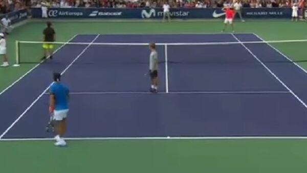 Rafael Nadal çocuğunu kaybeden kadına yardım için maçı durdurdu. - Sputnik Türkiye