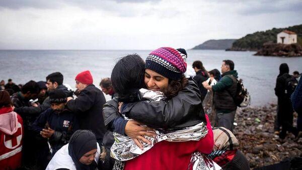 Gabriela Shapazian, Yunanistan'daki sığınmacı kampında - Sputnik Türkiye