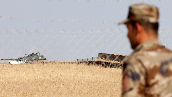 Türk askerlerinin de eğitim verdiği Irak'ın Musul kentine bağlı Başika'daki Zelikan Kampı - Sputnik Türkiye