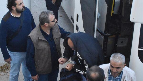 Konya'da FETÖ soruşturması kapsamında gözaltına alınan 3. Ana Jet Üs Komutanlığı'nda görevli 21 asker çıkarıldığı mahkemece tutuklandı. - Sputnik Türkiye