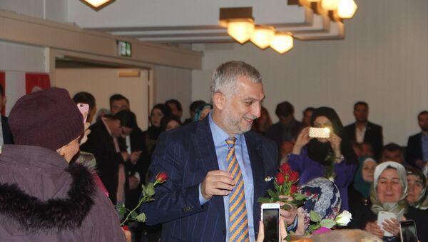 Metin Külünk, Zürih'te düzenlenen 15 Temmuz Darbe Girişimi ve Yükselen Türkiye konferansında - Sputnik Türkiye