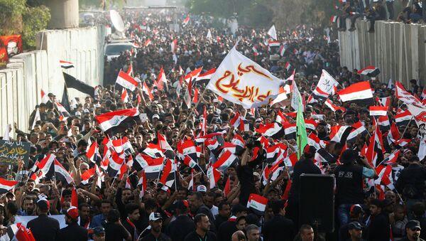 Irak'taki Sadr Hareketi lideri Mukteda el Sadr yanlıları - Sputnik Türkiye