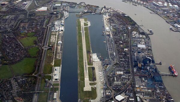 Londra Şehir Havalimanı (City Havalimanı) - Sputnik Türkiye