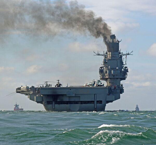 Sovyetler Birliği Filosu Amirali Kuznetsov'un adını taşıyan ağır uçak gemisi. - Sputnik Türkiye