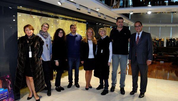 Rusya'nın önde gelen ajans ve gazete temsilcileri, Türk deri sektörünün çalışmalarını yerinde inceledi. - Sputnik Türkiye
