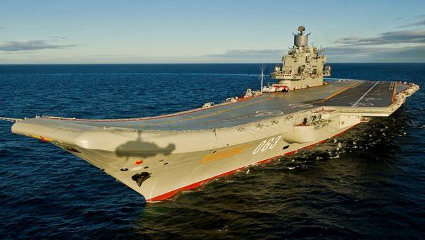 Sovyetler Birliği Filosu Amirali Kuznetsov'un adını taşıyan uçak gemisi. - Sputnik Türkiye