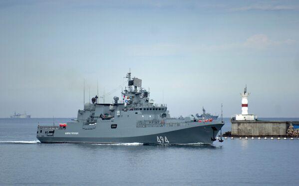 Rusya Federasyonu Karadeniz Filosunun baş koruma gemisi Admiral Grigoryeviç. - Sputnik Türkiye