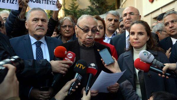 Cumhuriyet Gazetesi Vakfı Yönetim Kurulu Başkanı ve Gazete İmtiyaz Sahibi Orhan Erinç - Sputnik Türkiye