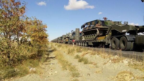 Askeri kaynaklara göre Ankara'dan tanklar, tank kurtarıcılar ve Çankırı'dan tekerlekli araçlar ve iş makinaları, Şırnak Silopi'ye doğru intikale başladı. - Sputnik Türkiye