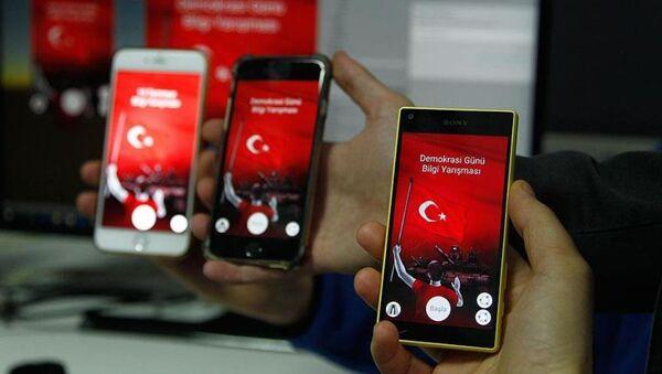 Darbe girişimi yarışma formatında akıllı telefonlarda - Sputnik Türkiye