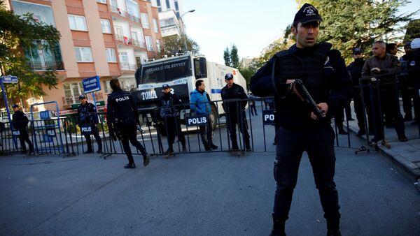 Polis, HDP Genel Merkezi'ne giriş çıkışları kapattı. - Sputnik Türkiye