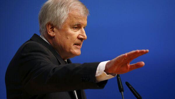 Hristiyan Sosyal Birlik Partisi (CSU) Genel Başkanı ve Bavyera Eyaleti Başbakanı Horst Seehofer - Sputnik Türkiye