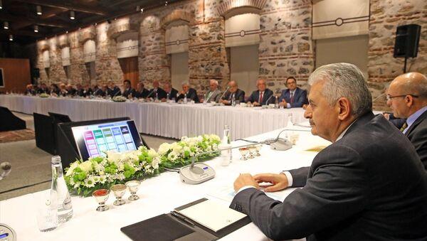 Başbakan Binali Yıldırım, iş dünyasının temsilcileriyle buluştu - Sputnik Türkiye