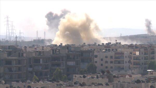 Halep'in batısında Suriye ordusu ile militanlar arasındaki çalışmalar - Sputnik Türkiye