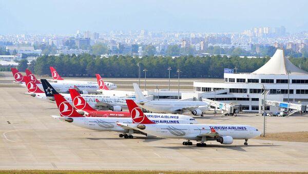 Antalya Havalimanı'ndaki THY uçakları - Sputnik Türkiye