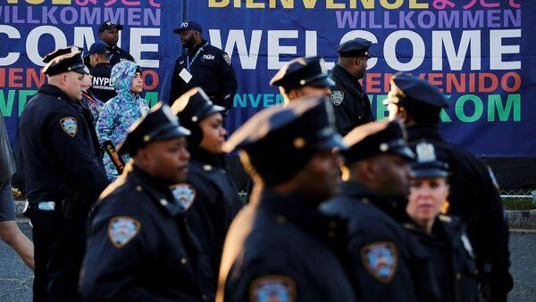 New York'da seçim günü 5 bin polis görevde - Sputnik Türkiye