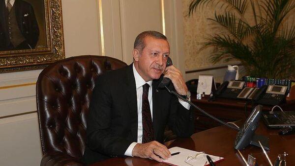 Cumhurbaşkanı Recep Tayyip Erdoğan - telefon - Sputnik Türkiye