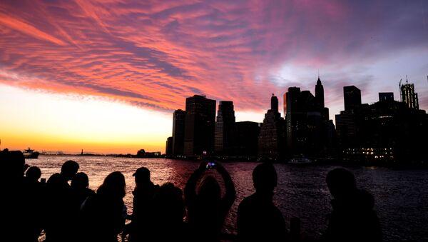 New York'ta Brooklyn tarafından Manhattan'a doğru manzara. - Sputnik Türkiye