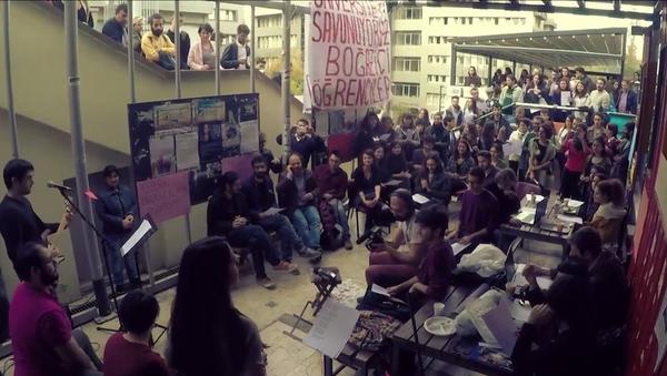Boğaziçi Üniversitesi öğrencilerinden KHK şarkısı - Sputnik Türkiye