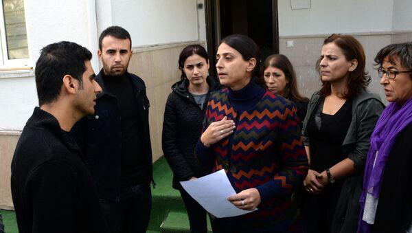 HDP'li Uca,  KJA'nın mühürlenmesine tepki gösterdi. - Sputnik Türkiye