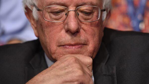 Vermont Senatörü Bernie Sanders - Sputnik Türkiye