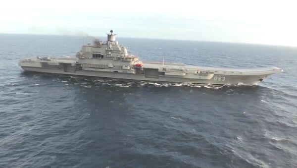 Suriye kıyılarına yaklaşan ağır uçak gemisi Admiral Kuznetsov. - Sputnik Türkiye