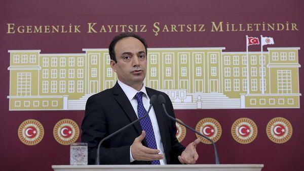 HDP Şanlıurfa Milletvekili Osman Baydemir TBMM'de basın toplantısı düzenledi. - Sputnik Türkiye