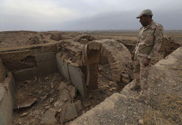 Irak'taki Nimrud antik kenti IŞİD tarafından ciddi oranda tahrip edildi. - Sputnik Türkiye