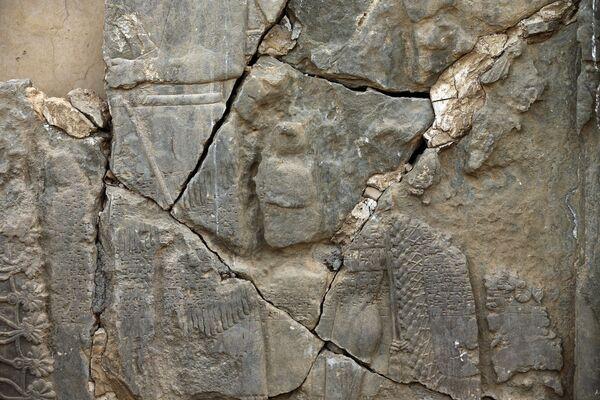 Bağdat, en az 2 bin yıllık tarihi eserlerin yok olduğunu aktardı. - Sputnik Türkiye