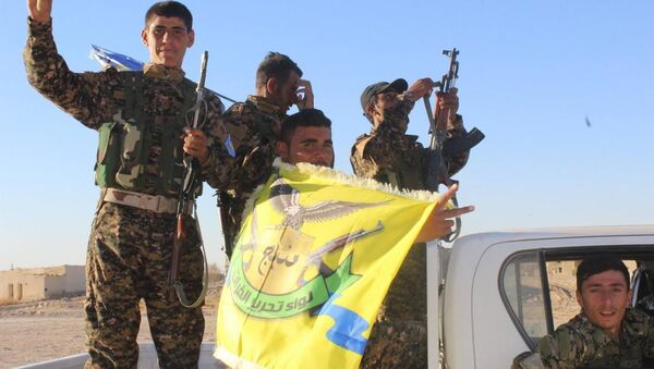 PYD'ye yakın Demokratik Suriye Güçleri de Türkiye destekli ÖSO gibi El Bab bölgesine yönelik operasyon başlattı. - Sputnik Türkiye