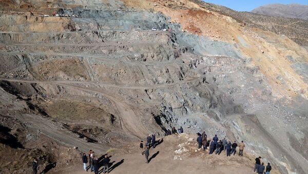 Siirt'in Şirvan ilçesindeki özel maden ocağında meydana gelen heyelan - Sputnik Türkiye
