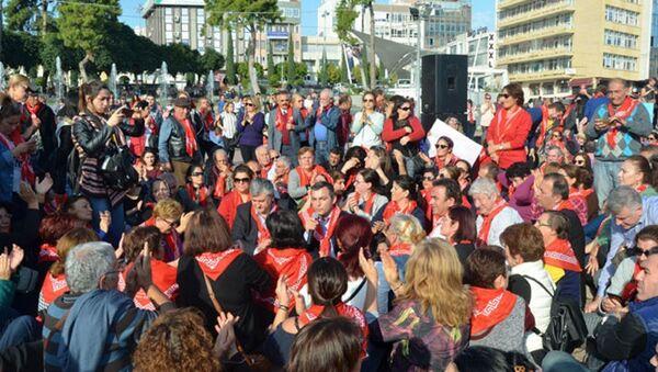 Antalya'da cinsel istismar önergesi protestosu - Sputnik Türkiye
