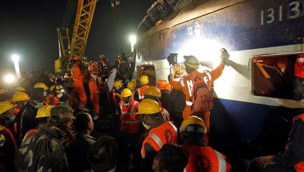 Hindistan tren kazası - Sputnik Türkiye