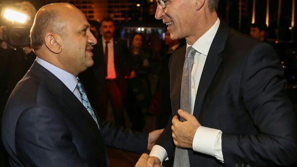 Milli Savunma Bakanı Fikri Işık- NATO Genel Sekreteri Jens Stoltenberg - Sputnik Türkiye
