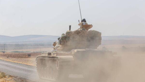 Suriye'nin Halep kentine bağlı ve Türkiye sınırına 35 kilometre uzaklıktaki El Bab kenti çevresinde Türkiye destekli ÖSO grupları ile Demokratik Suriye Güçleri arasında dün başlayan şiddetli çatışmalar devam ediyor. - Sputnik Türkiye