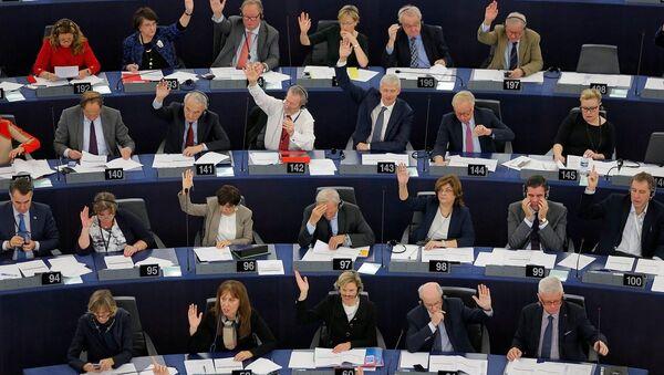 Avrupa Parlamentosu'nda milletvekilleri - Sputnik Türkiye