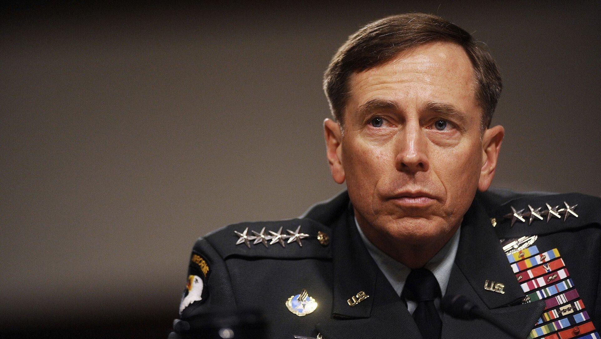 Eski CIA Direktörü David Petraeus - Sputnik Türkiye, 1920, 02.08.2021