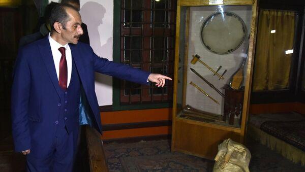 Kırım'ı ziyaret eden Türk heyetinin başkanı olan Avrasya Yerel Yönetimler Birliği Genel Başkanı Hasan Cengiz - Sputnik Türkiye