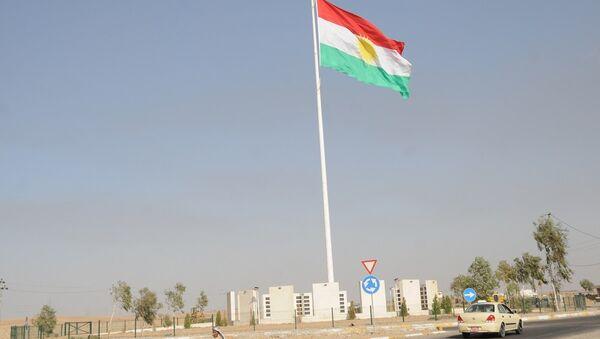 Irak Kürt Bölgesel Yönetimi'nin (IKBY) bayrağı - Sputnik Türkiye